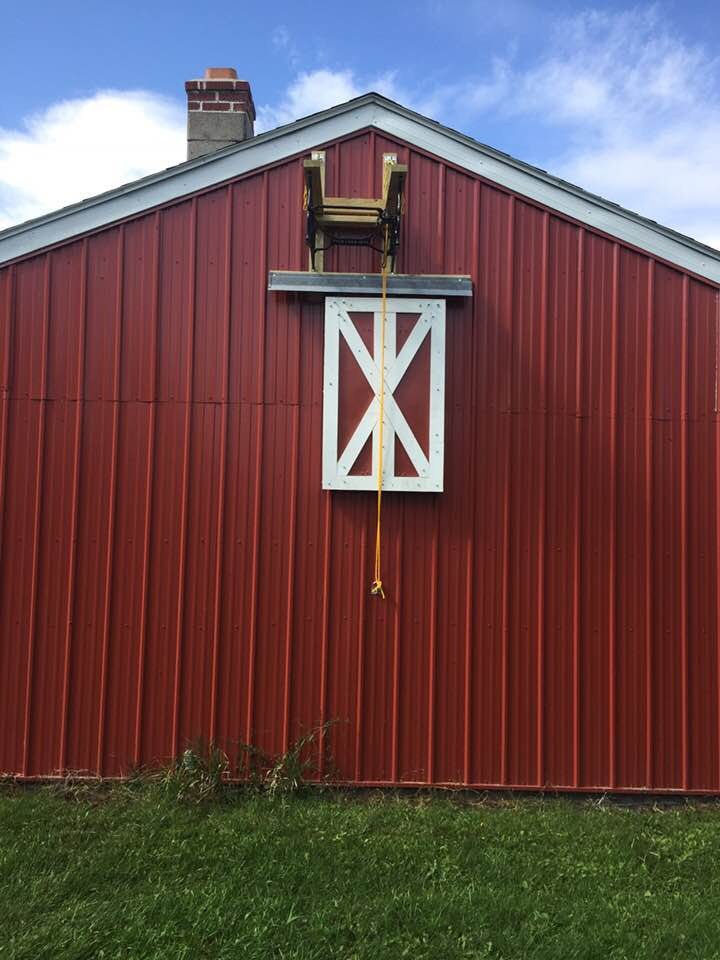 Barn lift door